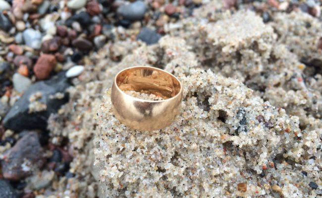 metal detecting beach finds